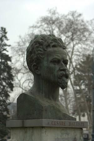 Busto di Cesare Battisti