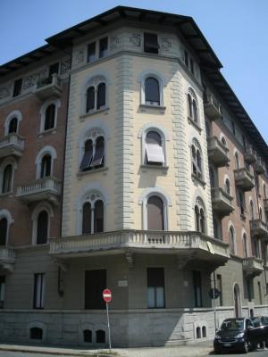 Edificio di civile abitazione corso Einaudi 28 già corso Peschiera