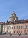 piazzetta Reale e Chiesa di San Lorenzo. Fotografia di Alessandro Vivanti, 2011. © MuseoTorino