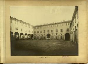 Regio Museo Industriale, primo cortile. Da R. Museo Industriale Italiano. Torino, C. Favale e Compagnia, Torino s.d. (1871). Torino, Biblioteche Civiche