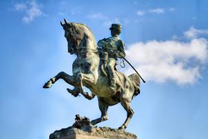 Davide Calandra, Monumento ad Amedeo di Savoia duca d'Aosta (particolare della statua raffigurante Amedeo), 1902. Fotografia di Mattia Boero, 2010. © MuseoTorino.