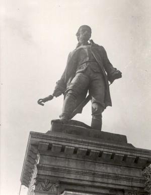 Giuseppe Cassano (1825-1905), Monumento a Pietro Micca, particolare. Fotografia di Mario Gabinio, 1924 ca. Fondazione Torino Musei, Archivio Fotografico, Fondo Mario Gabinio. © Fondazione Torino Musei