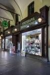 Farmacia Carlo Felice, ex Nuova cosmesi, già Old England, abbigliamento