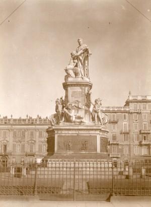 Monumento a Camillo Benso conte di Cavour. Fotografia di Mario Gabinio, 1924. © Fondazione Torino Musei - Archivio fotografico