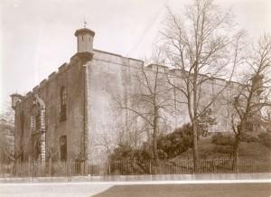 Mastio della Cittadella, vista di tre quarti da sud. Fotografia di Mario Gabinio, 4 aprile 1924. Fondazione Torino Musei, Archivio Fotografico, Fondo Mario Gabinio. © Fondazione Torino Musei