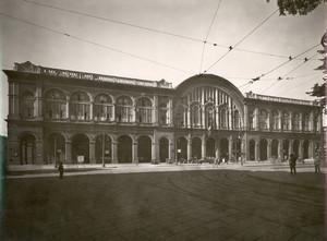 Stazione di Porta Nuova, prospetto principale. Vista da nord est. Fotografia di Mario Gabinio 1931. Fondazione Torino Musei, Archivio Fotografico, Fondo Mario Gabinio. © Fondazione Torino Musei