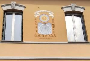 Orologio solare, palazzina in via Febo 7