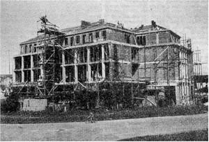 L'edificio di corso Brin in costruzione alla fine degli anni Quaranta.©Unione catechisti.