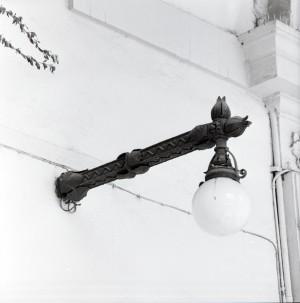 Caffè Elena, lampione esterno, 1998 © Regione Piemonte