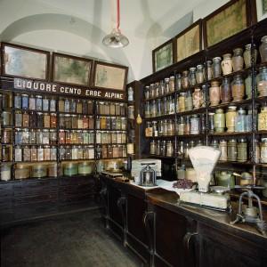Ditta Rosa Serafino Erboristeria, interno, Fotografia di Marco Corongi, 2005 ©Politecnico di Torino