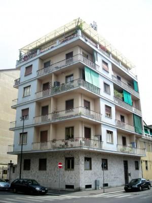 Edificio di civile abitazione in via Carlo Capelli 26