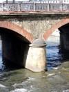 Particolare di una delle pile del ponte Alberto del Belgio. Fotografia di Edoardo Vigo, 2012.