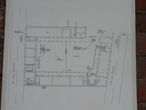 Istituto Sacra Famiglia. Planimetria del piano terra dell'edificio. Fotografia L&M, 2011