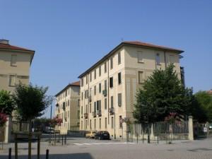 All'interno del 10° quartiere IACP fra le vie Arquata e Solero. Fotografia di Maria D'Amuri, 2011.