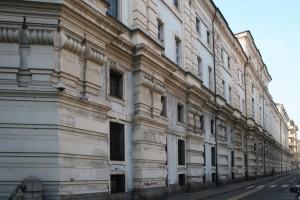 Il prospetto dell'Arsenale su via dell'Arcivescovado. Fotografia di Enrico Lusso per MuseoTorino.