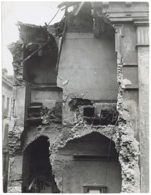 Via Santa Teresa n. 20 angolo Via San Tommaso n. 20. Effetti prodotti dai bombardamenti dell'incursione aerea dell'8 dicembre 1942. UPA 3054_9D03-14. © Archivio Storico della Città di Torino