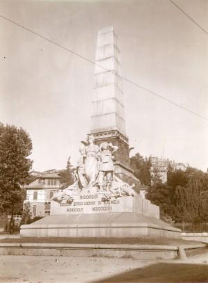 Luigi Belli, Monumento alla spedizione di Crimea, 1888. Fotografia di Mario Gabinio, 14 agosto 1924. © Fondazione Torino Musei - Archivio fotografico.