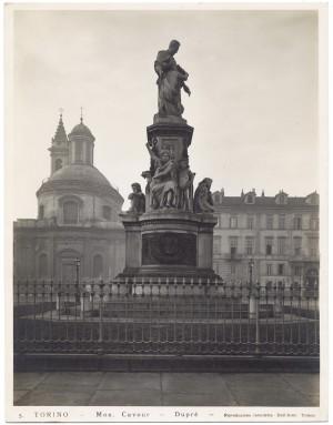Monumento a Camillo Benso conte di Cavour. Fotografia di Giancarlo Dall'Armi, 1911-1928. © Archivio Storico della Città di Torino