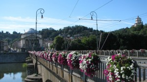 Ponte Vittorio Emanuele I e Gran Madre. Fotografia di Maria Grazia Turri, 2008.