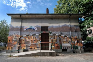 Alessandra Carloni, murale dell'ex casa del dazio, piazza Rebaudengo. Fotografia di Roberto Cortese, 2017 © Archivio Storico della Città di Torino
