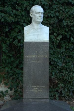 Busto di Guglielmo Marconi. Fotografia di Giuseppe Caiafa, 2011