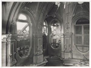 """Vicolo di Santa Maria, """"Chiesa di Santa Maria di Piazza.[…]"""". Effetti prodotti dai bombardamenti dell'incursione aerea del 20-21 novembre 1942. UPA 1777_9B01-16. © Archivio Storico della Città di Torino"""