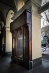 W. abbigliamento, ex ditta Piodi, filati, bacheca a pilastro, 2017 © Archivio Storico della Città di Torino