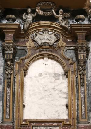 Interno della chiesa di Santa Croce, Altare a destra della Natività. Fotografia nella tesi di Francesca Romana Gaja, 2011-2012