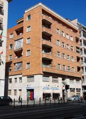 Casa di abitazione corso Giulio Cesare 97 bis
