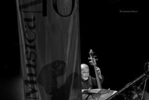 MITO SettembreMusica 2009, Omaggio a Benny Goodman con la MITO Jazz band e la Torino Jazz Orchestra, Jazz Club Torino. Fotografia di Lorenzo Avico, 08.09.2009. Archivio fotografico MITO SettembreMusica - Archivio storico della città di Torino.