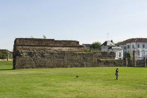 Resti delle mura romane presso la Porta Palatina (1). Fotografia di Marco Saroldi, 2010. © MuseoTorino.