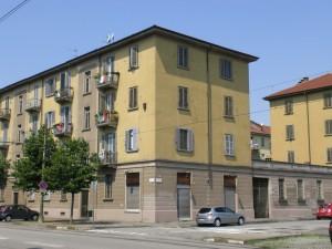 Veduta delle Case economiche municipali fra le vie Bologna e Caresana. Fotografia di Maria D'Amuri, 2011.