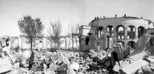 Ex scuderie Gualino in demolizione (sul sito verrà costruita la Fiat Mirafiori nel 1936-39), 1936 © EUT 10