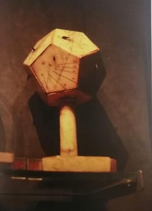 Quadrante solare dodecaedrico, Palazzo Madama, inv.269/PM. Riproduzione da libro, 2008, p. 37