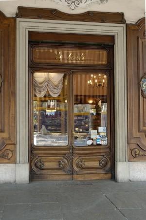 Gerla confetteria, particolare esterno, Fotografia di Marco Corongi, 2005 ©Politecnico di Torino