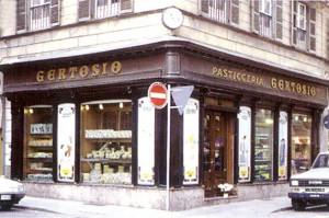Pasticceria Gertosio, esterno, Fotografia di Marco Corongi, 2001 ©Politecnico di Torino