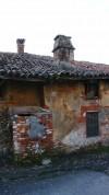 Particolare della muratura della cascina Verna di via Corniliano d'Alba 3. Fotografia di Edoardo Vigo, 2012.