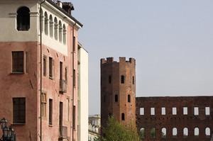 Casa del Pingone e Porta Palatina. Fotografia di Paolo Gonella, 2010. © MuseoTorino.