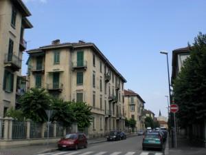 Veduta del 14° quartiere IACP da via Capriolo. Fotografia di Maria D'Amuri, 2011.