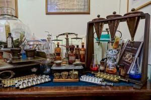 Regia Farmacia XX Settembre, antiche attrezzature, 2017 © Archivio Storico della Città di Torino