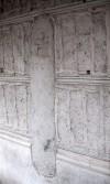 Via Lanzo, 5/b. Pilastrino murato nella facciata del fabbricato. Fotografia di Fabrizio Zannoni, 2010.