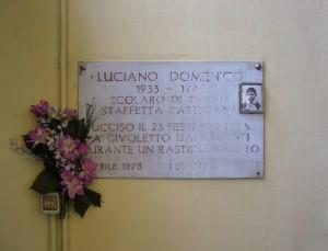 Lapide dedicata a Domenico Luciano in via San Rocchetto 34. Fotografia di Paola Boccalatte, 2013. © MuseoTorino