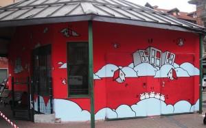 Xel, opera murale per il MAU, piazza Risorgimento, 2012, ripristinata 2015. Fotografia dell' Archivio Museo d'Arte Urbana © Museo d'Arte Urbana