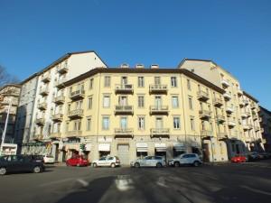 Isolato tra le vie Bianzé, Digione, Giacomo Medici e corso Svizzera