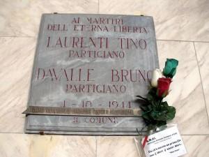 Lapide dedicata a Davalle Bruno (1919 - 1944), Laurenti Tino (1920 - 1944)