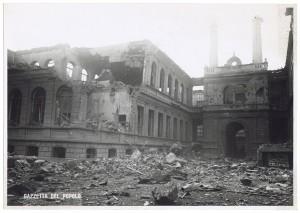 Via Giovanni Giolitti (già Via Mario Gioda 28), Regio Politecnico. Effetti prodotti dai bombardamenti dell'incursione aerea dell'8 dicembre 1942. UPA 2663D_9C04-25. © Archivio Storico della Città di Torino