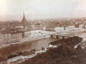 Mario Gabinio, Panorama della città dal Monte dei Cappuccini [partic.], 1925 c., in Pierangelo Cavanna, Paolo Costantini (a c. di), 1996, tav. 102