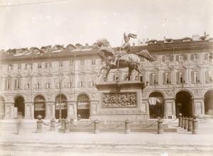 Carlo Marocchetti, Monumento a Emanuele Filiberto, 1838. Fotografia di Mario Gabinio, 14 maggio 1925. Fondazione Torino Musei, Archivio Fotografico, Fondo Mario Gabinio. © Fondazione Torino Musei