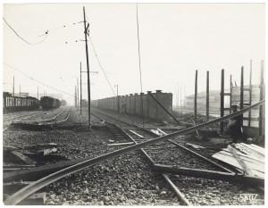 Via Nizza (FIAT Lingotto, Stazione di Smistamento). Effetti prodotti dai bombardamenti dell'incursione aerea del 28 Novembre 1942. UPA 2302D_9C02-15. © Archivio Storico della Città di Torino