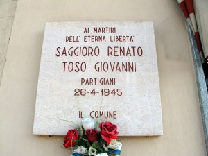 Lapide dedicata a Giovanni Toso e a Renato Saggioro